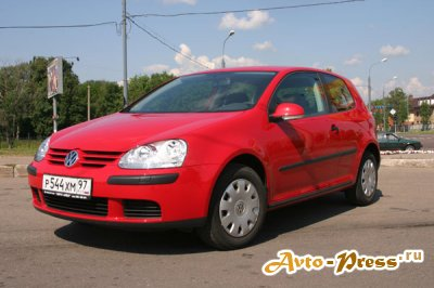 VW Golf V 1.6 AT