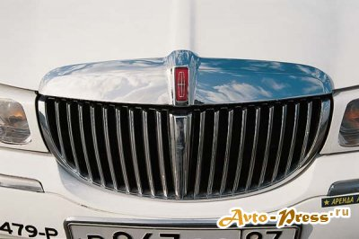 Lincoln Town Car Hyper Ultra Super Stetch: соседи обзавидуются.